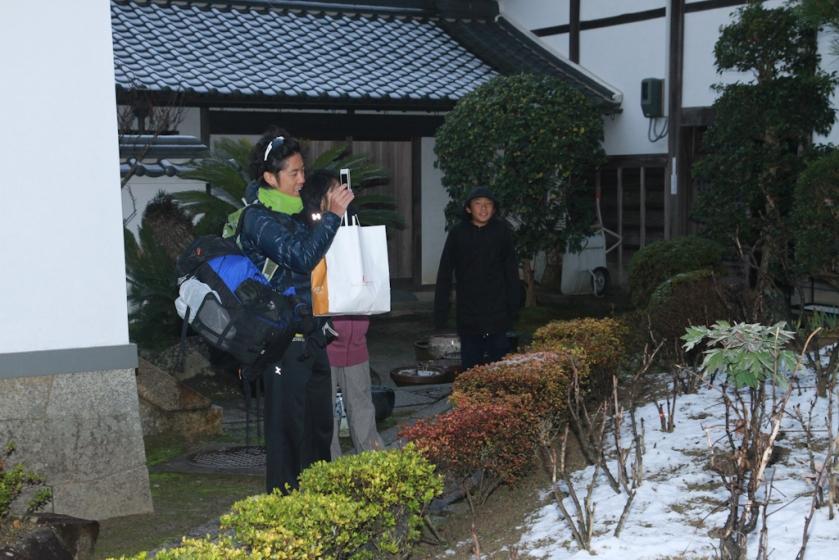 奈良初雪,亦是孖九搬來日本後的初雪,當然要拍照留念!