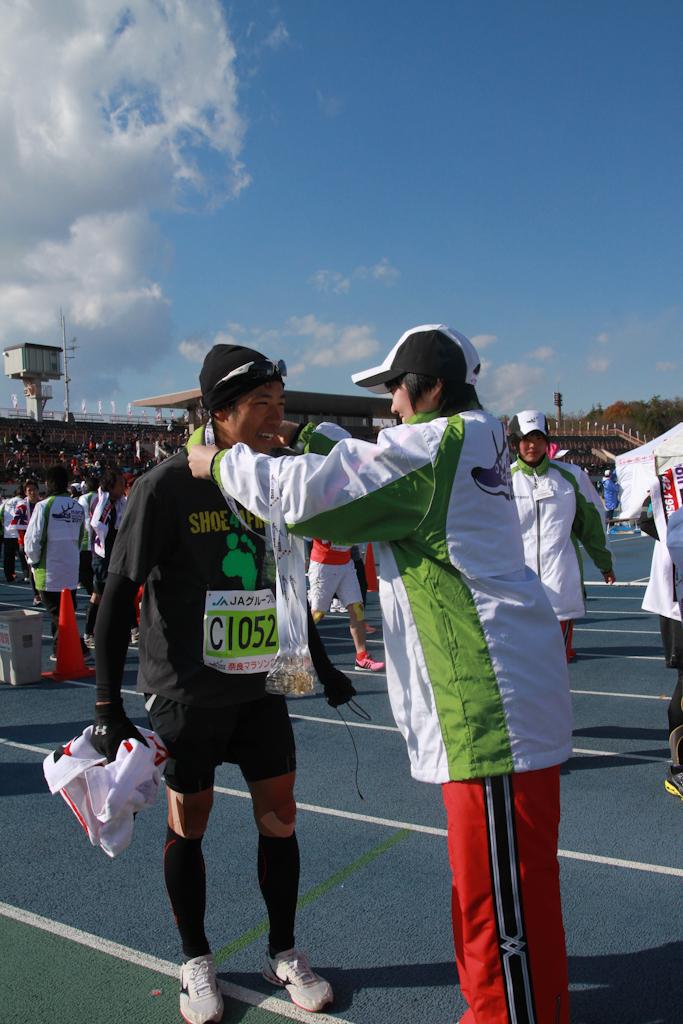 奈良馬拉松的完賽率為92.6%,孖九慶幸堅持到底拿到奬牌,未成為餘下的7.4%!